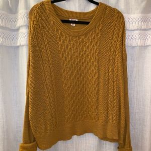 cute cropped sweater!!
